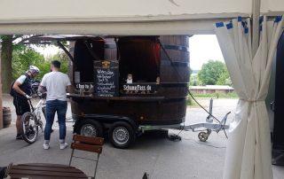 Gaststätte Salute Rothenstadt SchankFass inklusive Anlieferung Bierfass Weinfass Holzfass Blickfang Firmenveranstaltung
